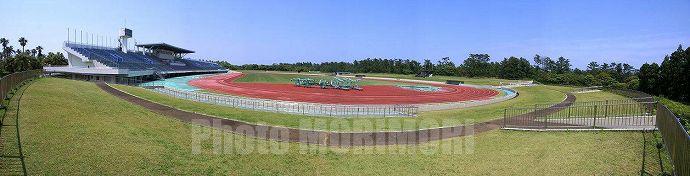 a-nation '08会場 宮崎県総合運動公園陸上競技場サイドビューパノラマ
