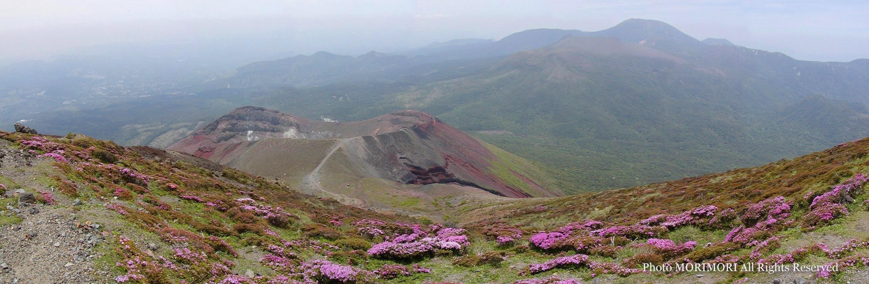 05c2a879d4 高千穂峰山頂より見た 御鉢火口