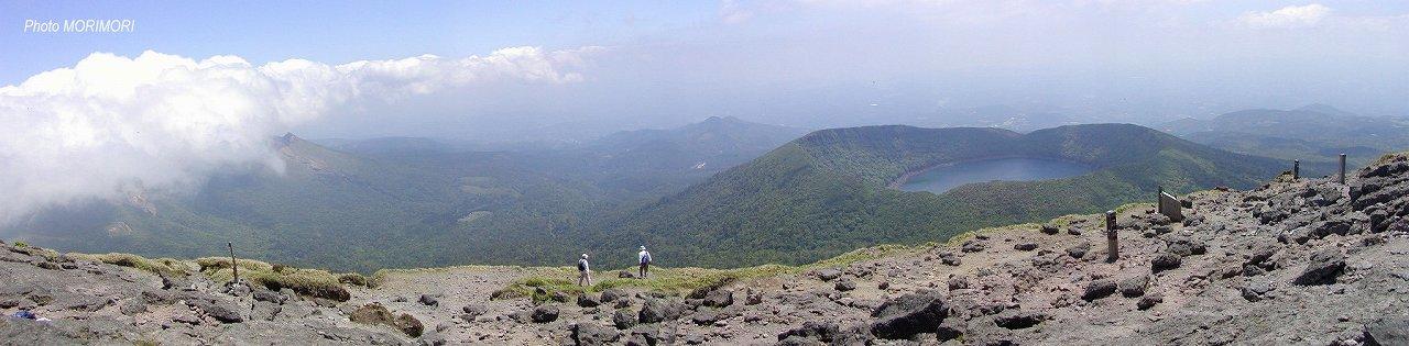 霧島連山韓国岳より見た大浪池 パノラマ写真