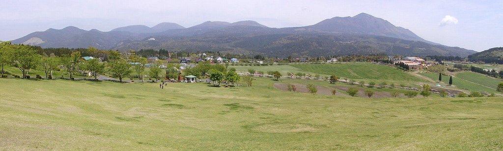 高千穂牧場パノラマ写真 高千穂峰等霧島連山をのぞむ光景