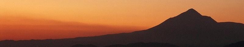 夕焼けに浮かぶ霧島山 05