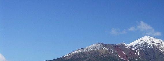 冠雪した高千穂峰 03